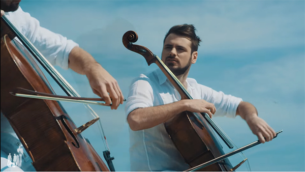 Chariots Of Fire | 2CELLOS rinde homenaje a Vangelis